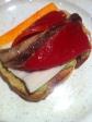 Tosta pimiento piquillo, caballa , guacamole y delicia de cangrejo.
